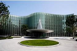日展は国立新美術館で開催 イメージ